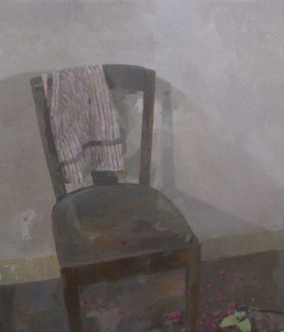 Chaise au tissu rayé